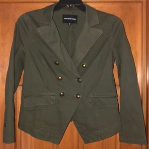 Crop waisted, olive green, military style jacket.
